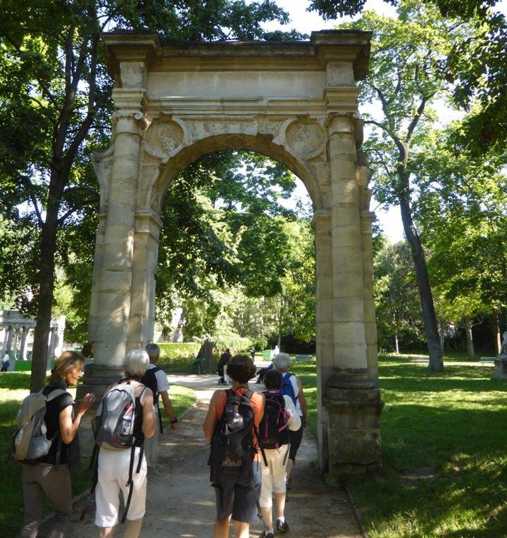 puis passage par  le Parc Monceau