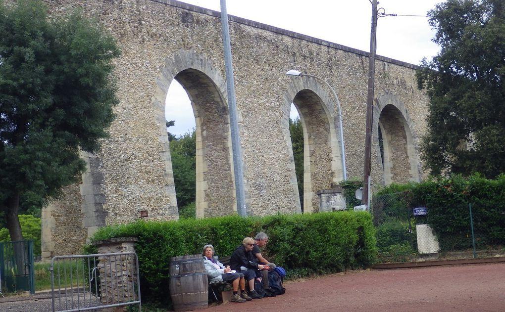Piquenique sous ( enfin presque !) l'Aqueduc de Louveciennes.