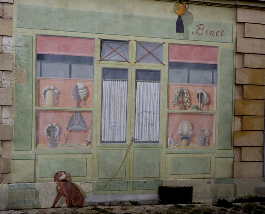 Retour par la rue du Vieux Versailles et ces trompe-l'oeil rue Mézière.