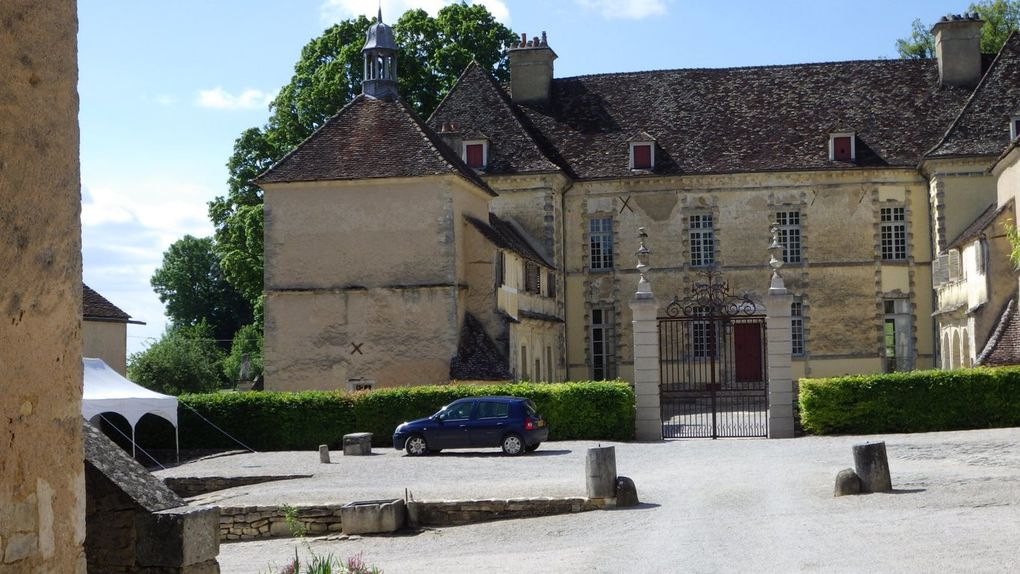 Le Chateau d'Entre Deux Monts ( production de truffes)