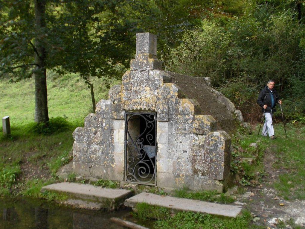 Bois de Lyons : le piquenique et la Fontaine Sainte Catherine sensée favoriser les mariages !!!