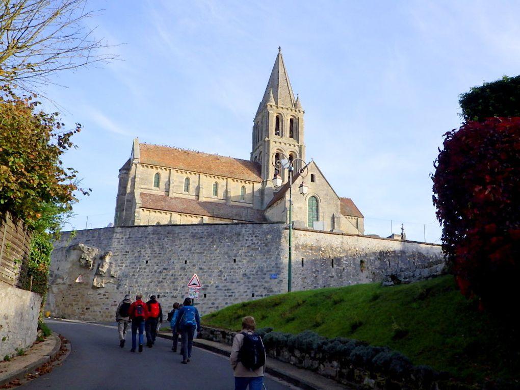 Santeuil/Le Perchay - l'Eglise et le lavoir