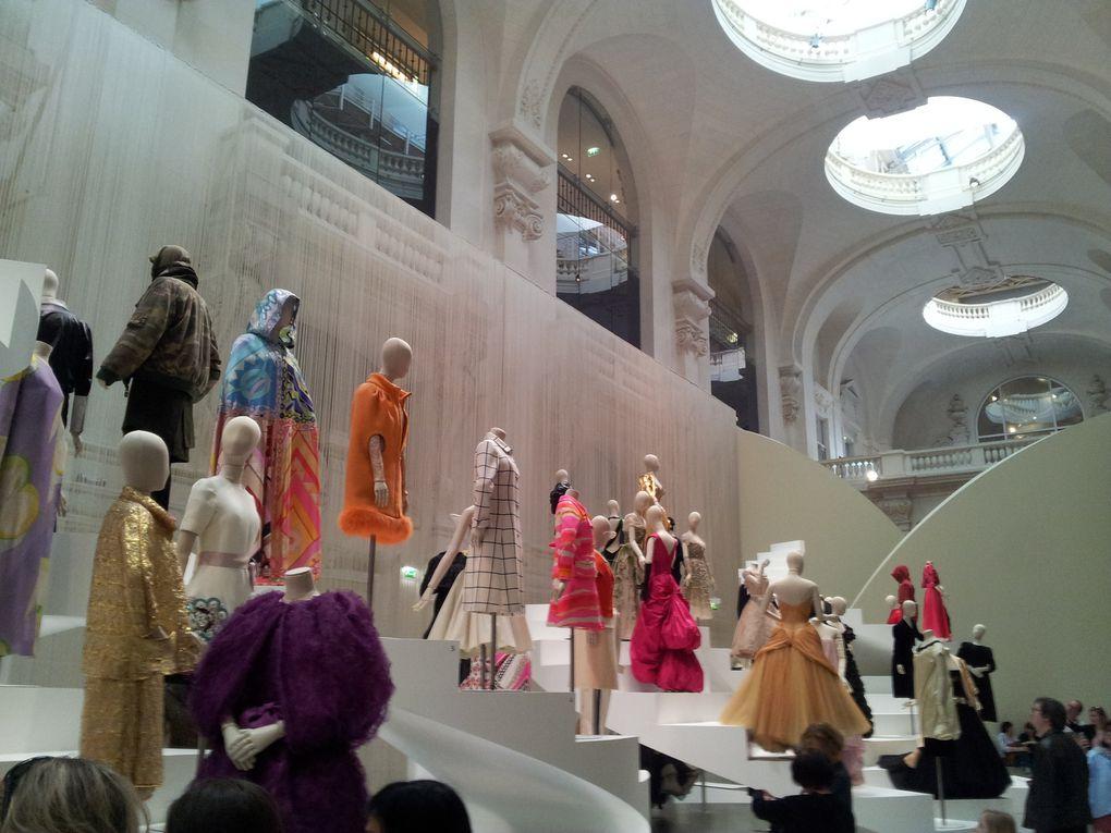 Grande salle consacrée aux costumes plus contemporains