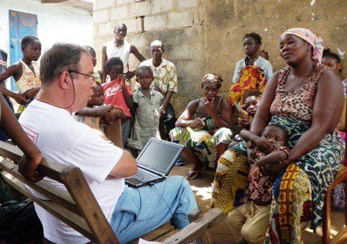 Vous voulez vous engager auprès de Première Urgence - Aide Médicale Internationale pour soutenir nos actions auprès de populations victimes de crises humanitaires