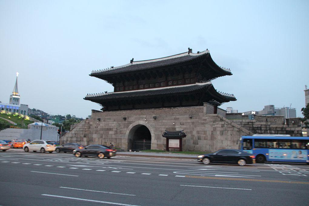 Temple, marché et shopping