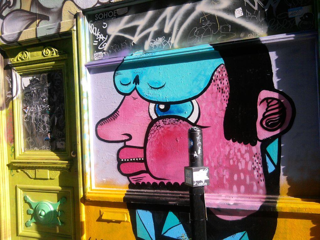 Portes, garages, fenêtres... offrent un accès infini à la créativité de Waxhead. Un même endroit est parfois revisité par le jeune artiste.