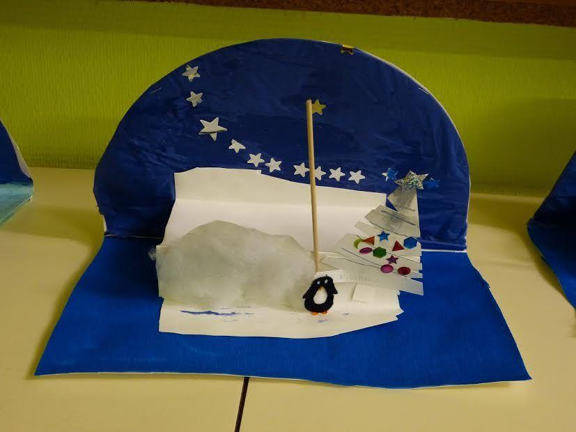 La jolie carte avec les étoiles dans le ciel a été réalisée par un enfant de l'école maternelle de Saint Didier sous Riverie