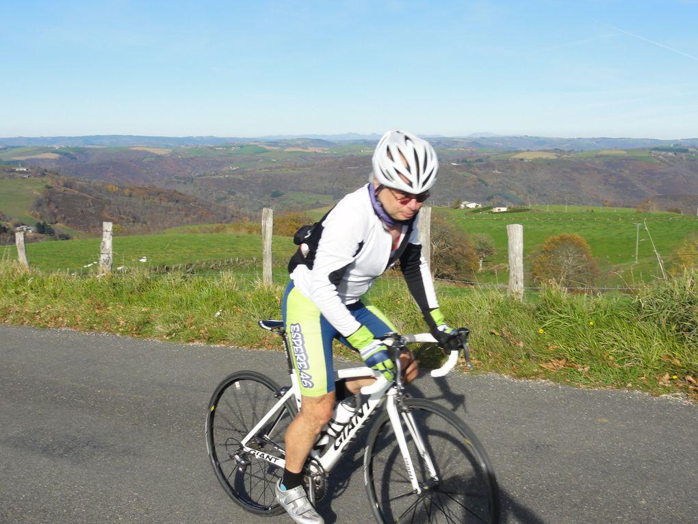 L'AS Espère Cyclo dans le Rougier de Marcillac-Vallon
