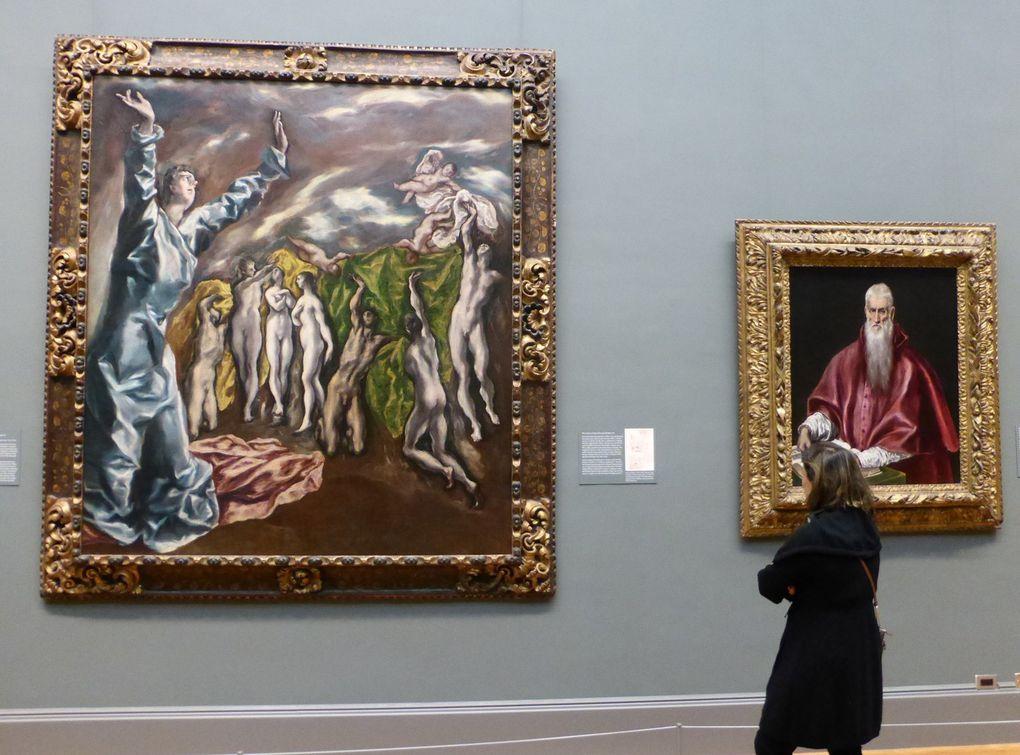 Le Greco à New York, exposition au Metropolitan Museum of Art, New York // Panneau avec les photographies des trois tableaux du Greco pour l'église de l'Hôpital Saint Jean le Baptiste à Tolède // Les Demoiselles d'Avignon, MoMA, New York © photographies Le curieux des arts Gilles Kraemer