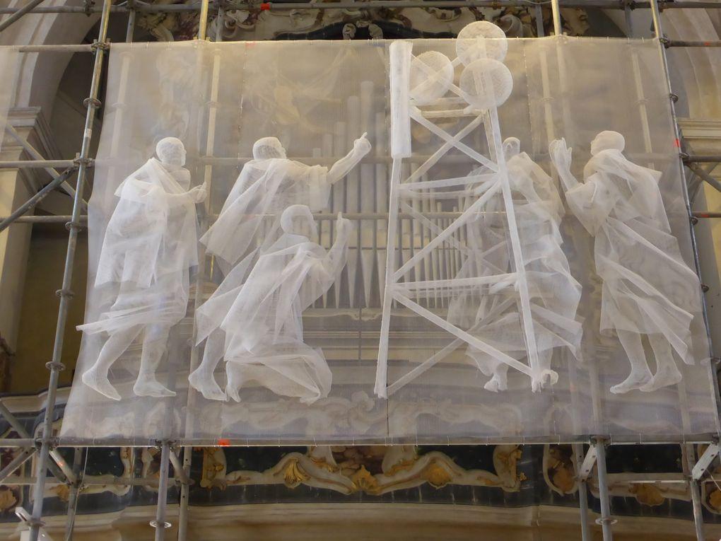 Recycle Group, Conversion, Chiesa di Sant'Antonin, Venise © Le Curieux des arts Antoine Prodhomme. Événement collatéral de la 56ème exposition Internationale d'Art - la Biennale di Venezia. 8 mai et octobre 2015