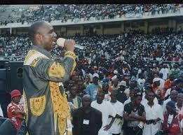 Imágenes de  Diomi Ndongala,  opositor de la Rep. Democrática del Congo del que no se sabe la suerte que corre o ha corrido.- El Muni.