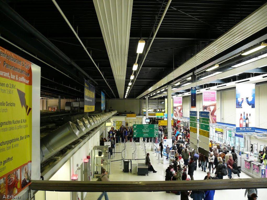 Una colombiana fue arrestada en el aeropuerto de Frankfurt por llevar oculta  cocaína  en sus implantes mamarios.