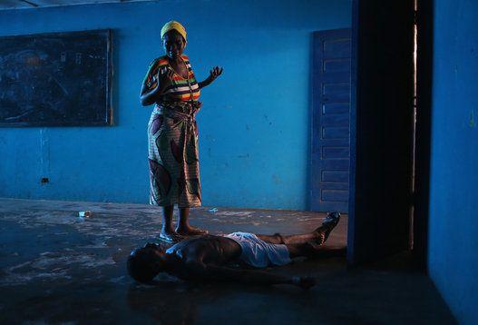 Imágenes contagiados de ébola en África Occidental.- El Muni.