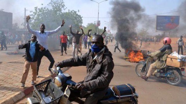 Imágenes ataques de los vengadores del Delta de Níger.- El Muni.