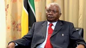 Armando Guebuza, expresidente(2 de febrero de 2005 – 15 de enero de 2015) de  Mozambique.- El Muni.