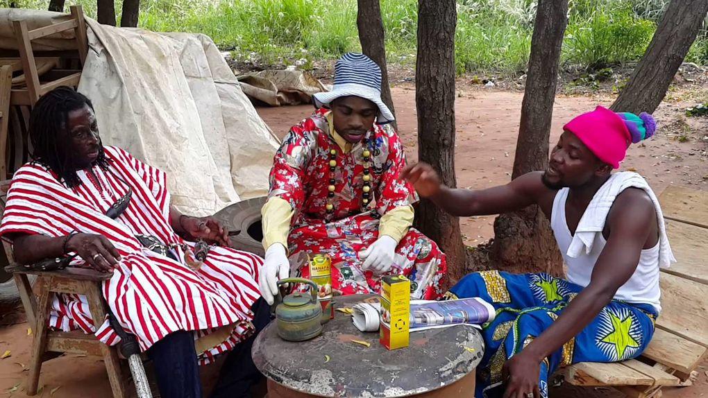 imágenes de Nana Kwaku Bonsam, el brujo de ghanés, augura  imparable fracaso de Mourinho como entrenador si no se disculpa ante Eva Carmeiro.- El Muni.