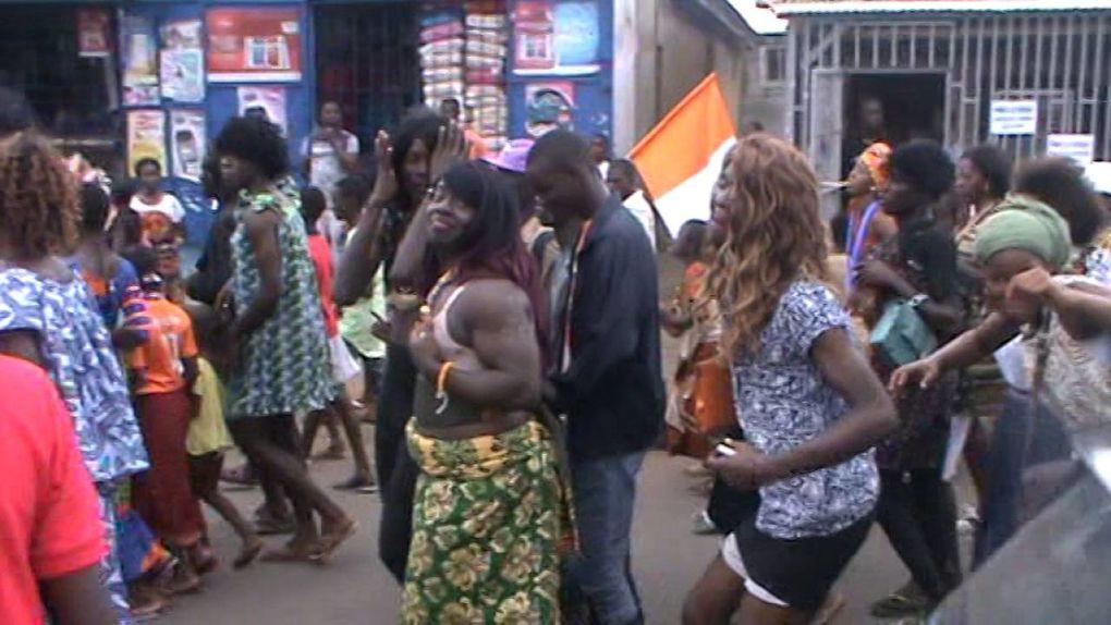 Imágenes celebración  Concurso Miss Homosexual Abidjan 2016, Costa de Marfil.- el Muni.