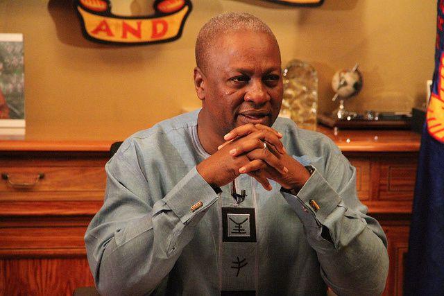 Imágenes de John Dramani Mahama, el presidente derrotado en las recientes presidenciales de Ghana.- El Muni.