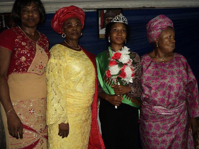 Imágenes de Miss virginidad en Nigeria.- El Muni.