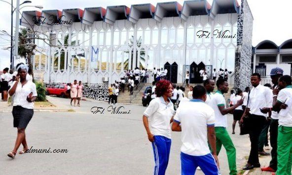 Imágenes alumnos en Bata, Guinea Ecuatorial.- El Muni.