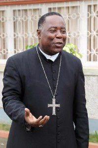 Filomeno do Nascimento Vieira Dias, arzobispo de Luanda.- El Muni.