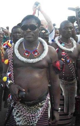 Un guineano de la Guinea Ecuatorial cabreadísimo, lo que muchos piensan pero..., lo dejo a vuestro juicio: Escucha el audio en fang..