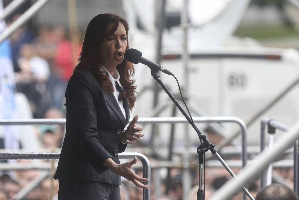 Imágenes de Cristina Fernández de Kirchner.- El Muni.