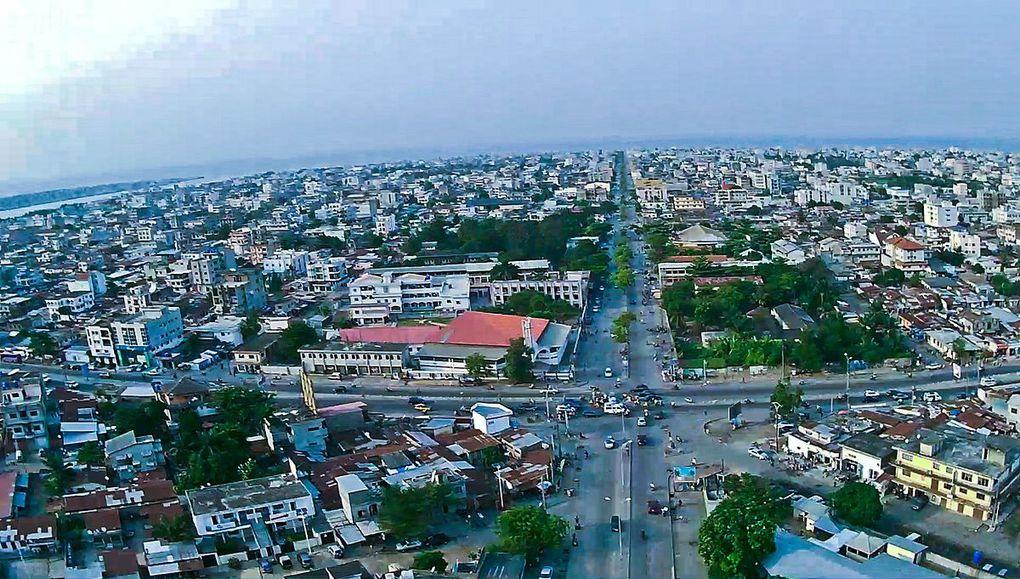 Vistas de la capital de Benin, Cotonou.- El Muni.