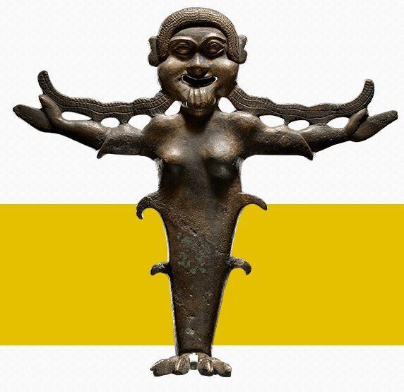 Gorgones gréco- étrusques qui effraient quiconque les aperçoit...Mais certaines sont franchement grotesques !