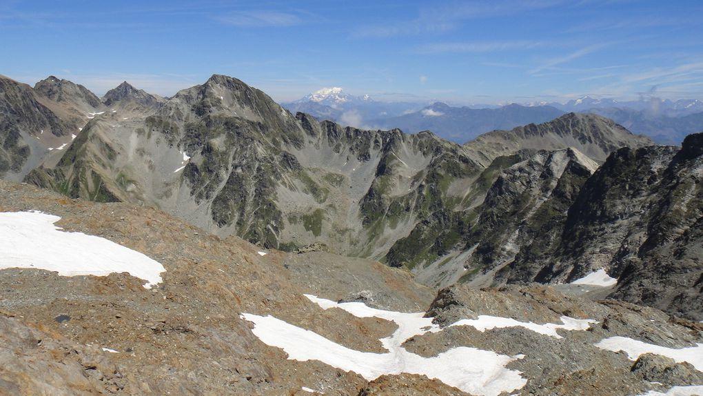 Le Rocher Blanc (2928m), boucle par le Col de l'Amiante (2810m) et la Combe Madame, et le Col de la Croix (2529m)