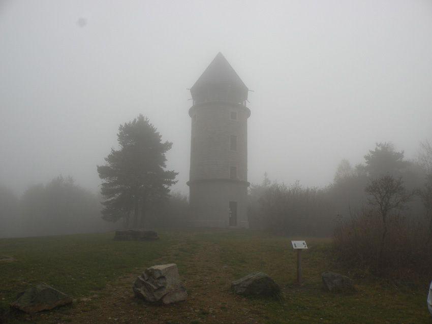 La tour Matagrin et le GR7