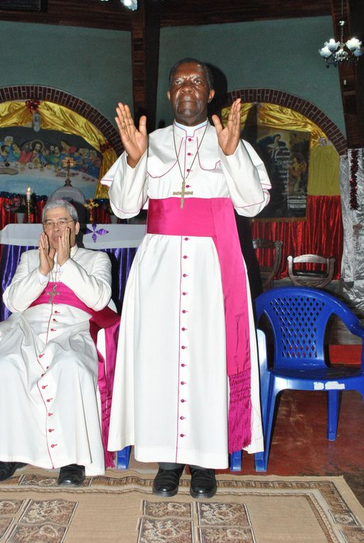 Mgr Nicolas DJOMO, Évêque de Tshumbe et Président de la CENCO, en mission et ministère