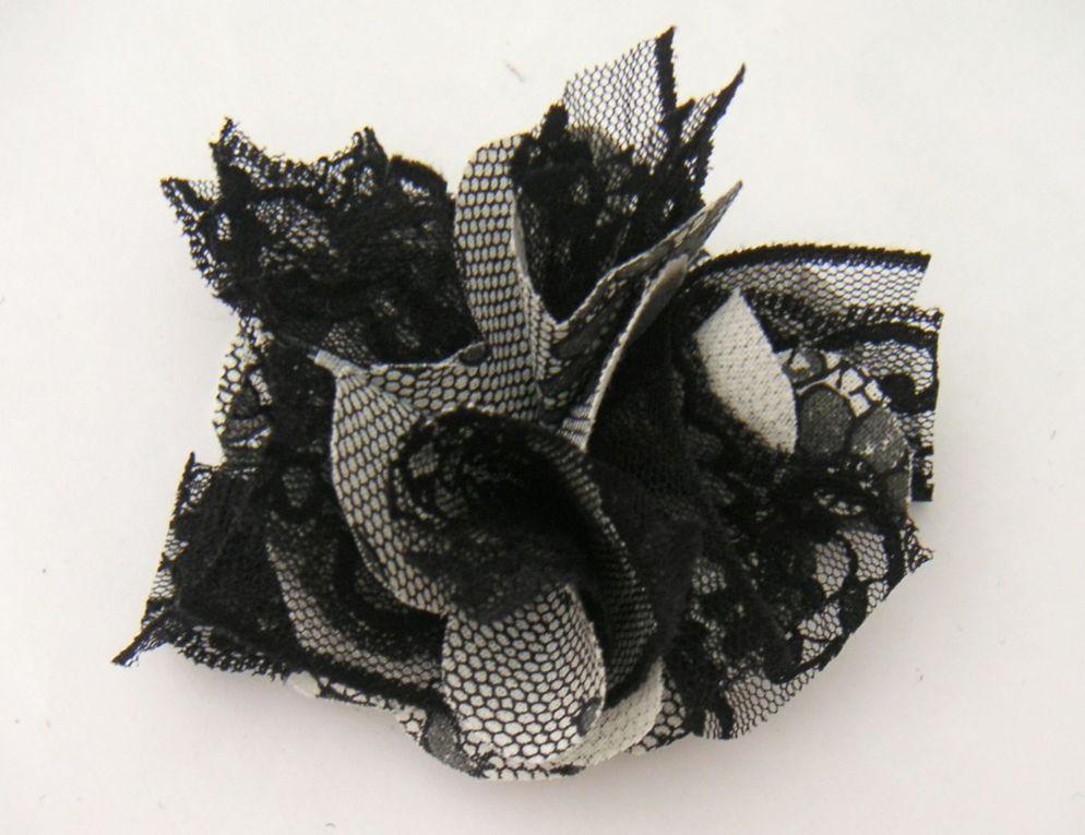 tuto fleur en tissu une aiguille dans une botte de foin. Black Bedroom Furniture Sets. Home Design Ideas
