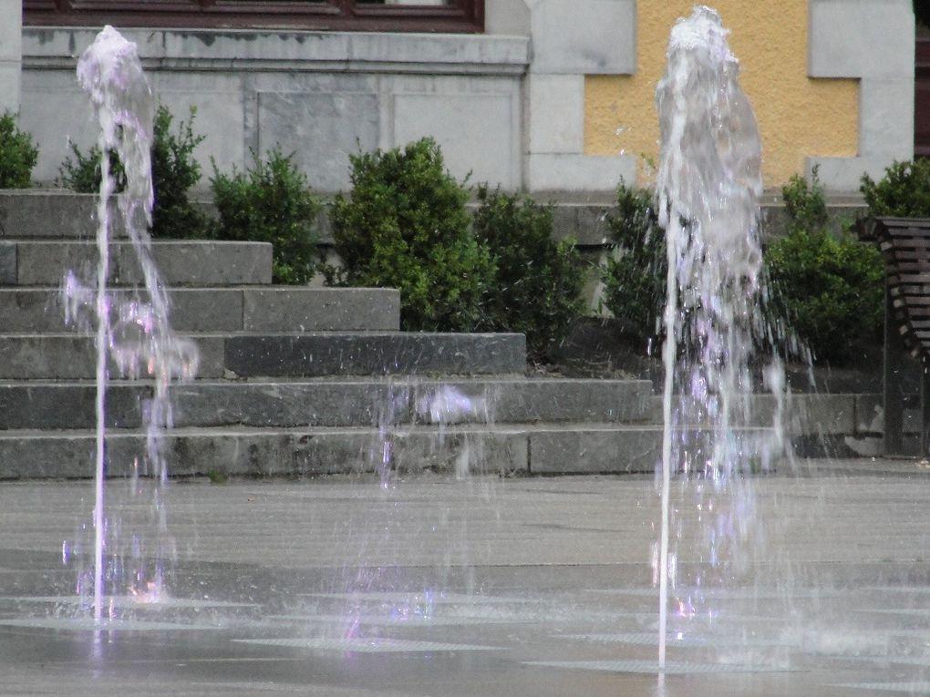 L'esplanade des oeufs de Cauterets: jeux d'eau!