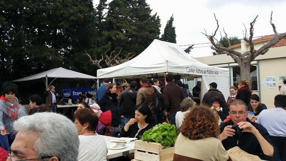 C'est plus de 1200 personnes qui sont passées dimanche au marché slowfood, convivialité, bonheur du vivre ensemble
