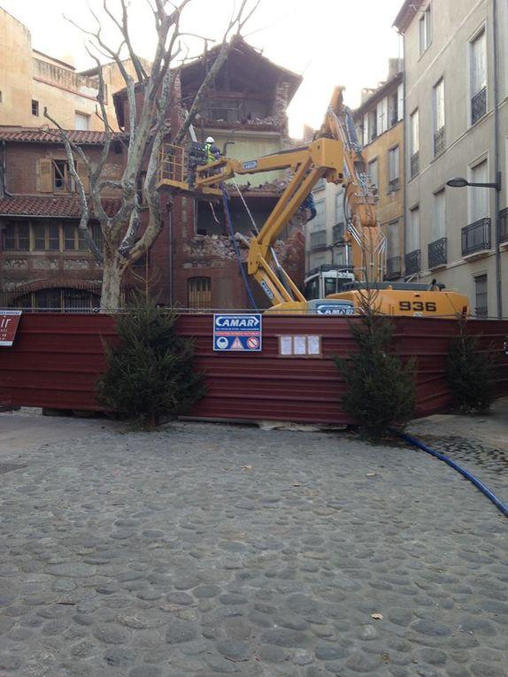 Perpignan:Ce matin des 6 heure, Jean-Marc Pujol a fait détruire le presbytère! par Nicolas Caudeville