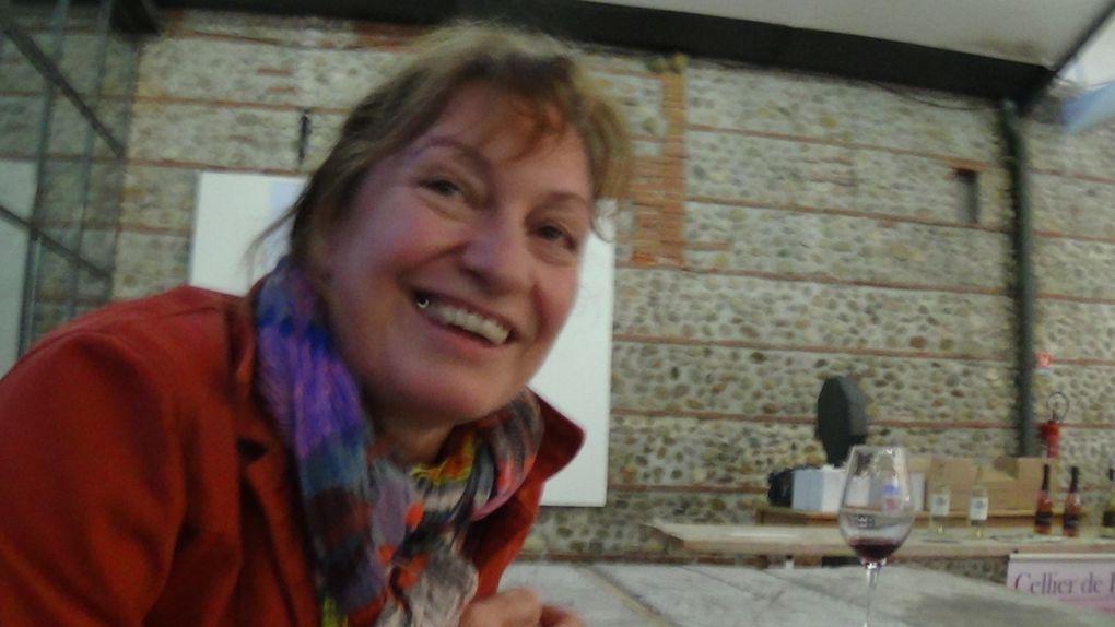 Vidéo:table ronde:Le vin, une boisson d'homme? J'ai connu une polonaise qui en buvait au petit déjeuner ! à cent mètres du centre du monde.Frédérique Vaquer,Gaelle Rolland,Sylvie Agguire animeé par Nicolas Caudeville