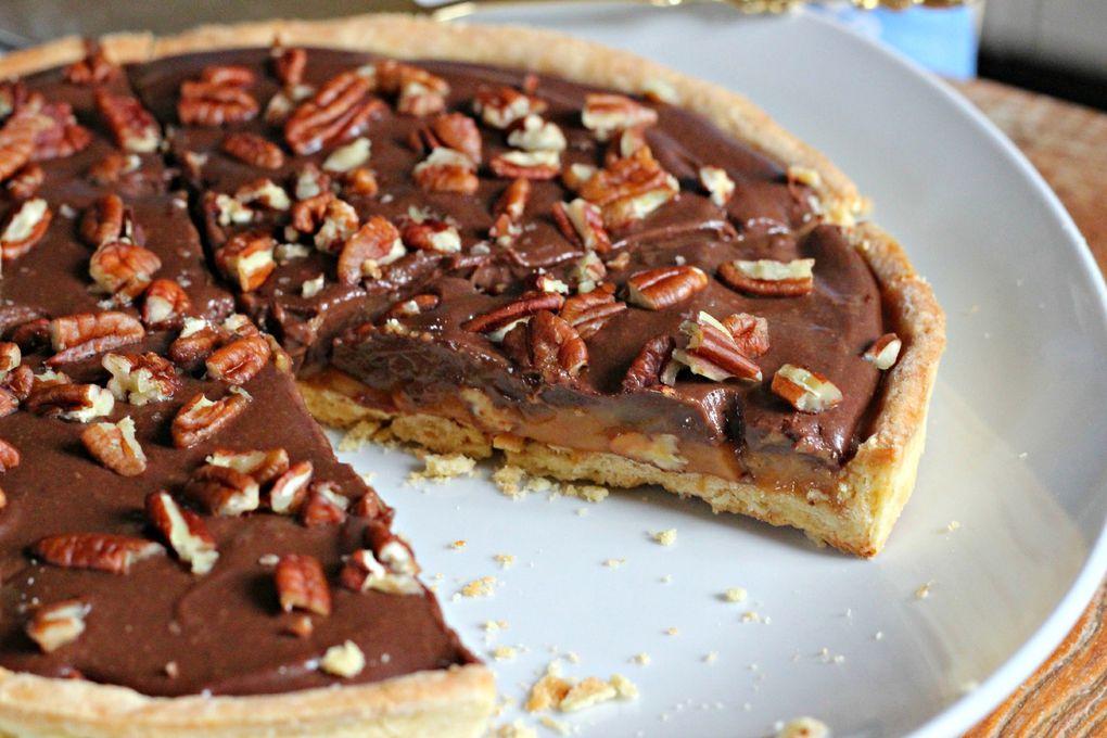 Tarte caramel, chocolat et noix de pécan
