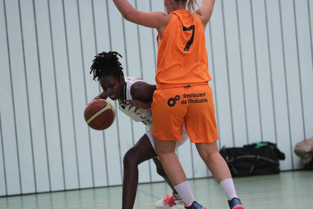 L'AL Véniissieux Parilly féminine est desormais seule leader en Régional 1.
