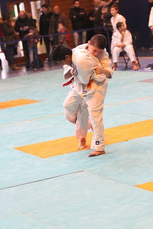Les jeunes judokas UFOLEP du Rhône étaient présents ce samedi au gymnase Jacques Anquetil.