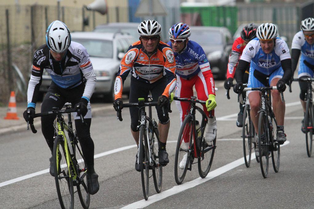 Les conditions météorologiques ont contrarié les efforts de la vingtaine de bénévoles du Vélo Club Max-Barel