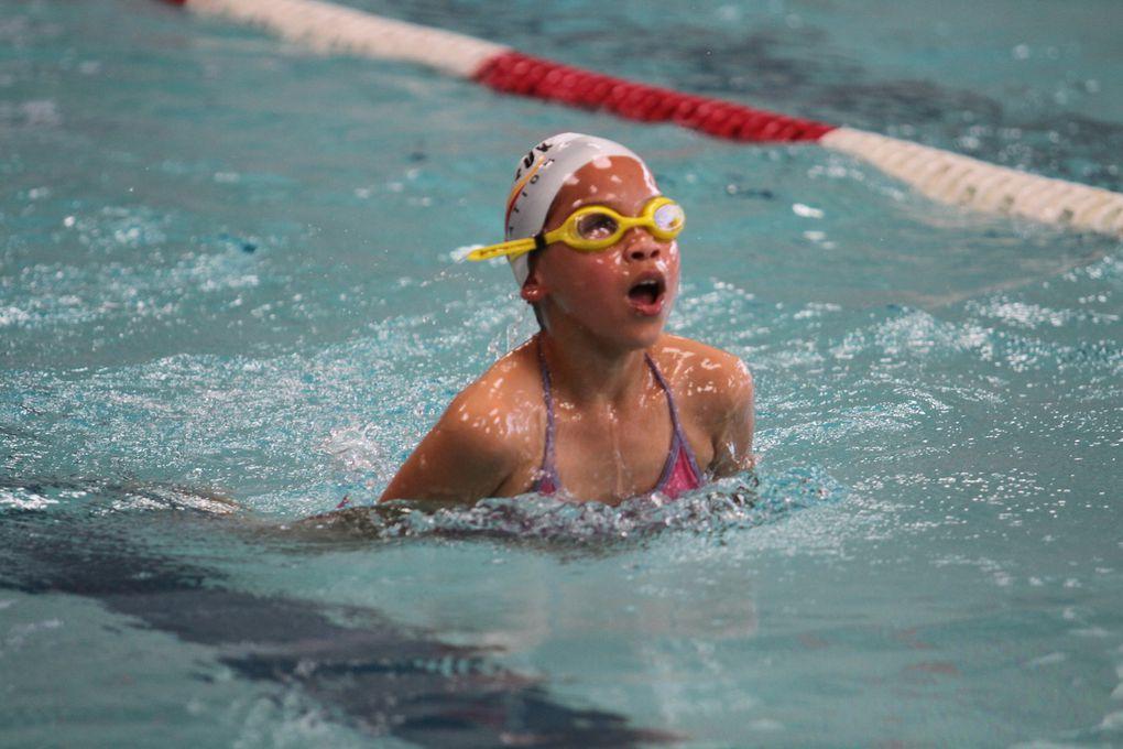 Les enfants du CMOV Natation lors de l'interclubs organisé à la piscine Auguste Delaune