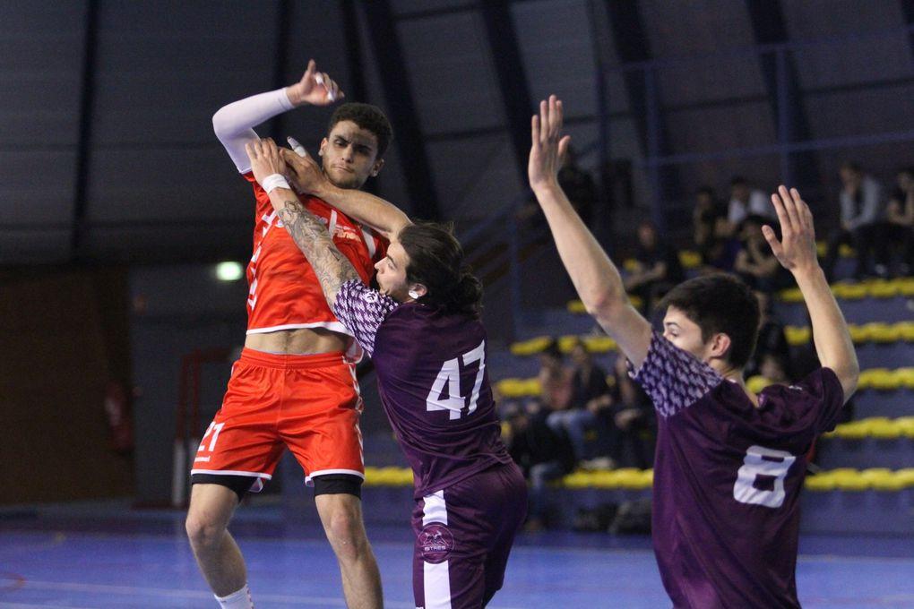 Les handballeurs vénissians fortement diminués n'y arrivent plus