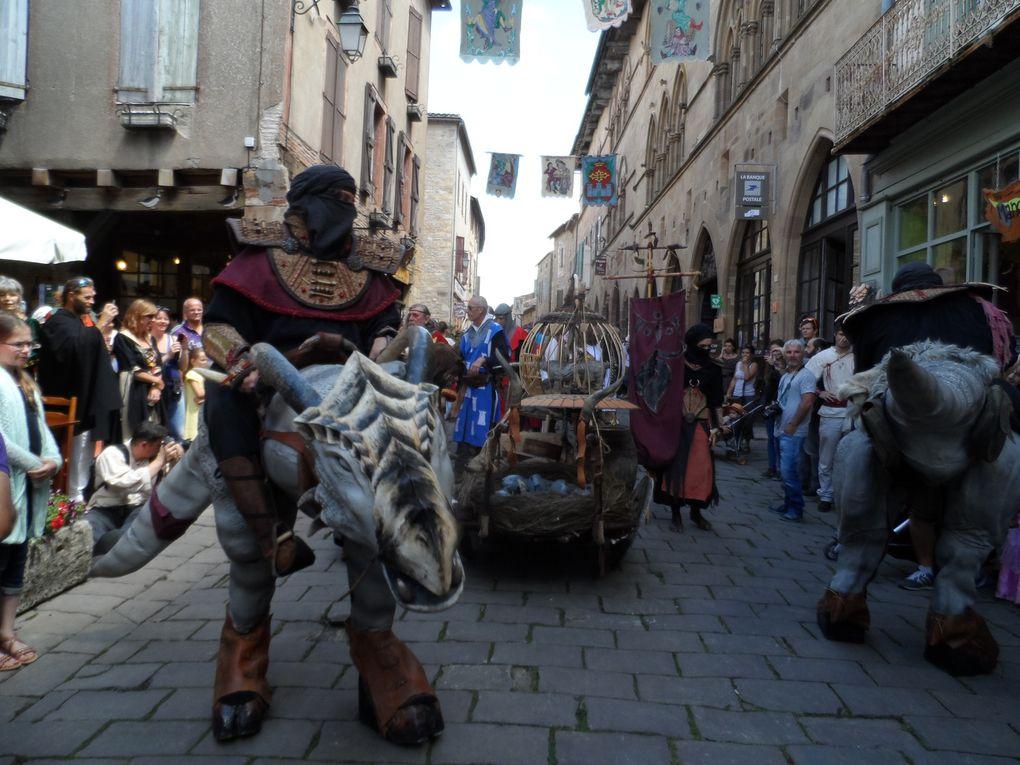 Pour le week-end du 14 juillet, c'est la fête médiévale à Cordes sur Ciel. Animations et spectacles de rues.