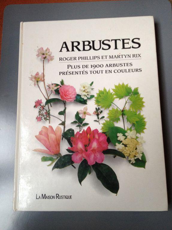 11 ouvrages sur les végétaux.