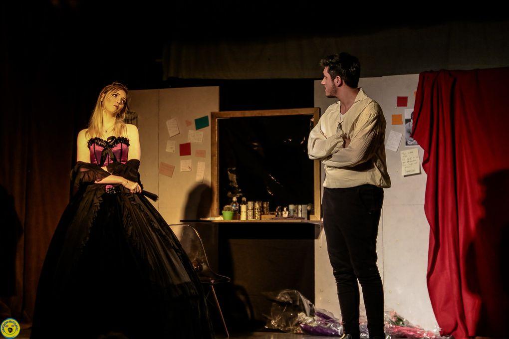 La compagnie Ni d'Eve ni D'Adan proposait une représentation de la pièce d'Eric Emmanuel Schmitt « un homme trop facile »