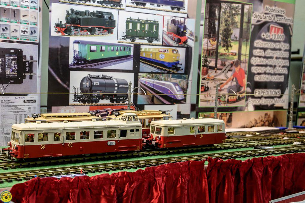 Saint André les Alpes : Les trains miniatures sont entrés en gare à la salle des fêtes