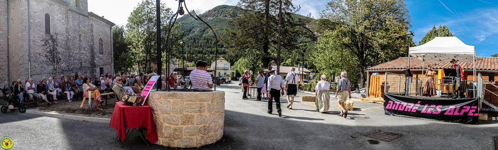 Saint André les Alpes : Une fin d'été surlignée en rouge et jaune