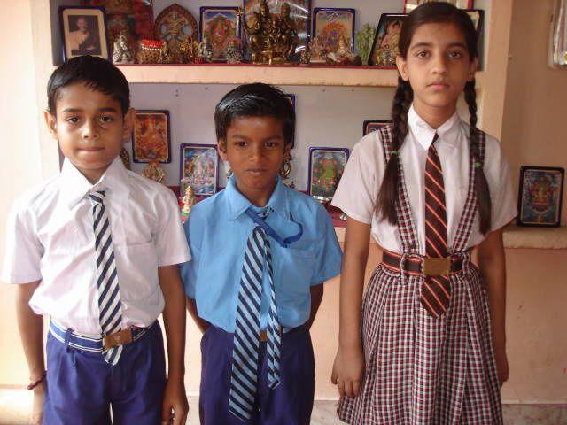 Les enfants scolarisés par l'association, manque Jisant, Draksha, Gudiya et Vivek.