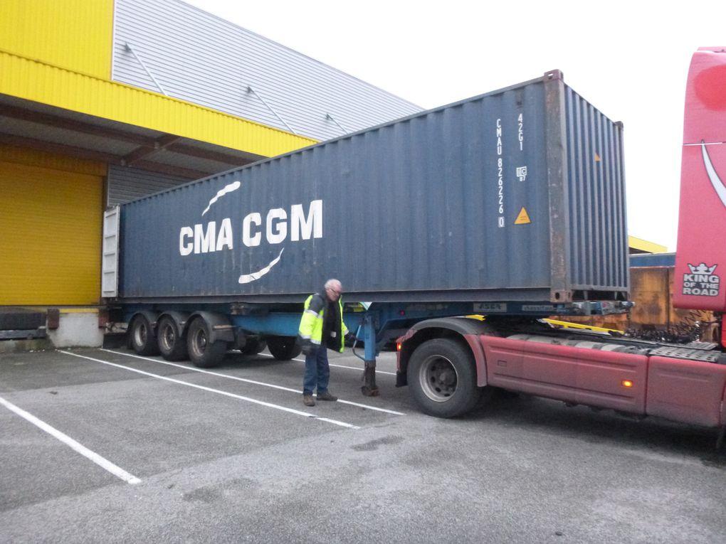 Envoi n°10 : le 40ft container est à quai pour chargement